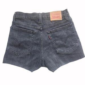 NEW Levi's Black Denim High Waist Mom Shorts